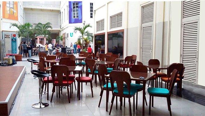 Muebles para patio de comidas